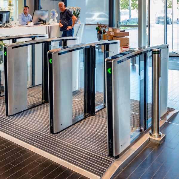 Couloirs de contrôle d'accès - Boon Edam Lifeline Speedlane Swing